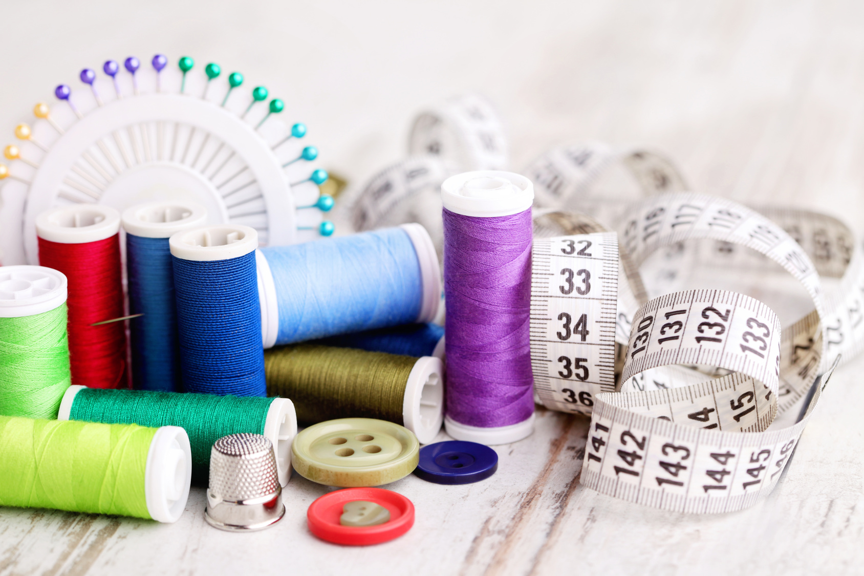 Materiały krawieckie, tkaniny i pasmanteria online